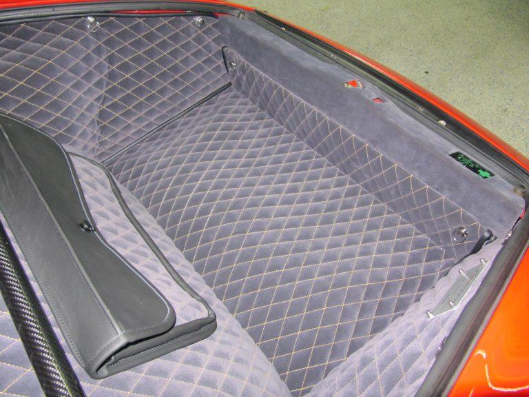 Einbauansicht Kofferraumteppich/Tasche