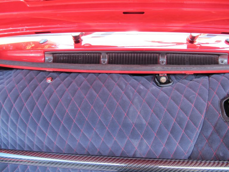 Einbauansicht 911 3,2 Kofferraumteppich